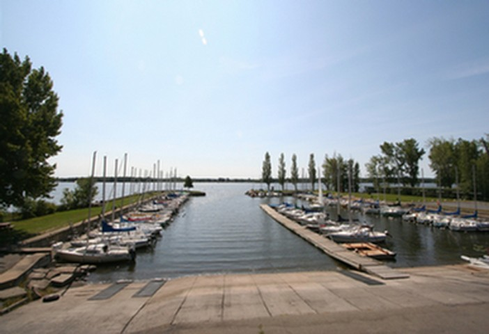 Photo 1 - Yacht Club de Baie d'Urfé